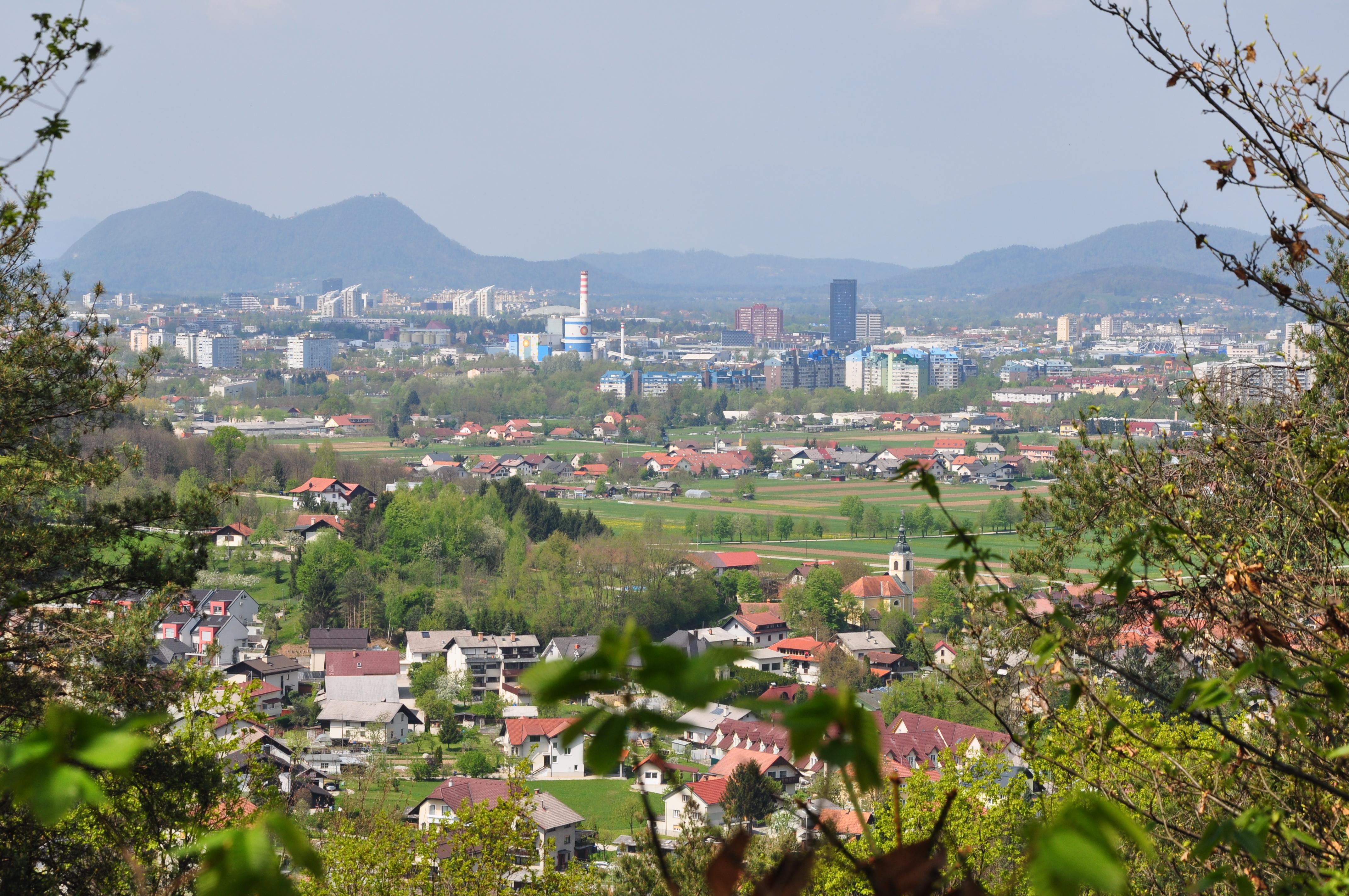 DSC_0379 Pogled na LJ s Šmarno goro v ozadju